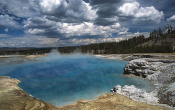 Photo of  a hot spring in Yellowstone park