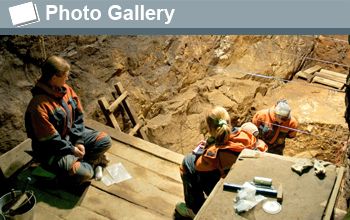 Photo of the excavation site and the words Photo Gallery.