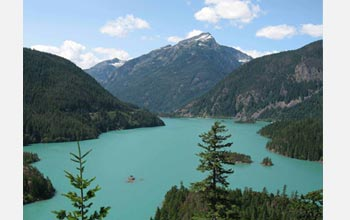 Photo of Lake Diablo in the Cascades.