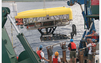 Photo of the hybrid remotely operated vehicle Nereus and the mother ship.