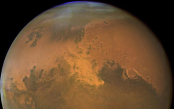 a Mars dust storm appears