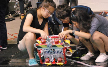 Students test their remote underwater vehicles