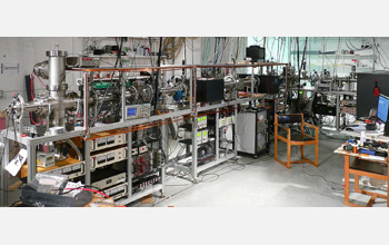 Photo of the apparatus used in the lab to simulate the chemistry of the early universe.