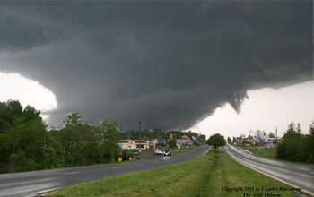 Image of a strong tornado near Arab, Ala.