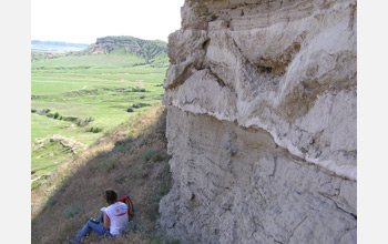 Photo of an ancient volcanic ash bed exposed at Scotts Bluff National Monument.